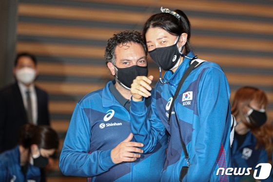 라바리니호, 16개월 만에 실전…VNL서 FIVB 랭킹 1위 중국과 격돌